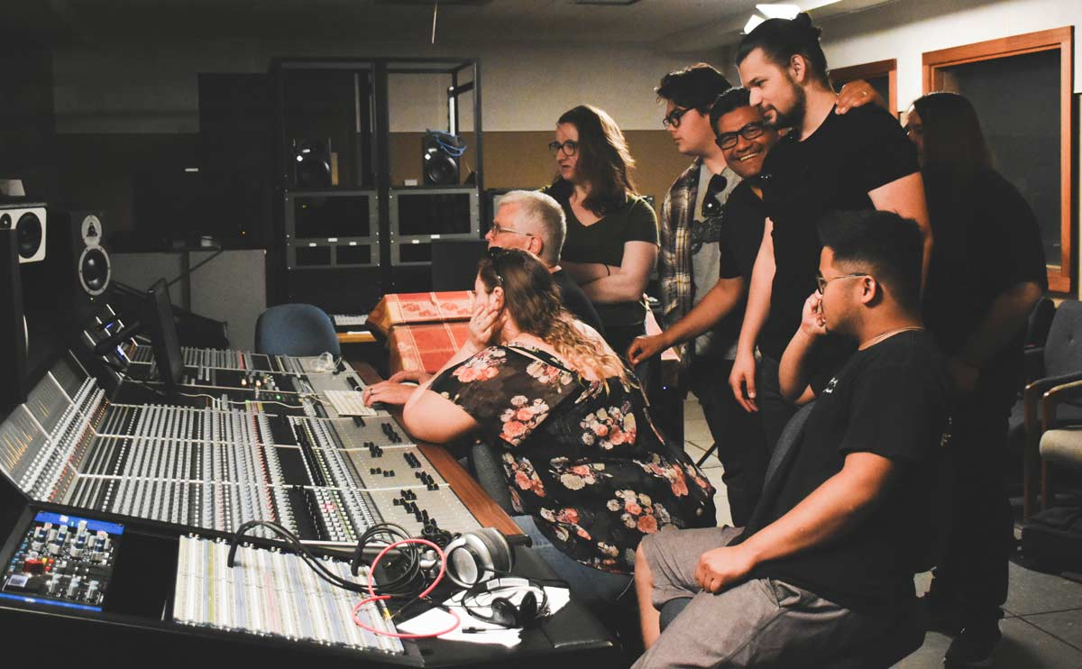 Jeff Forehan in the studio with students
