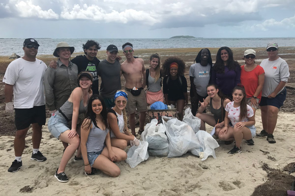 Service Learning students in Puerto Rico beach